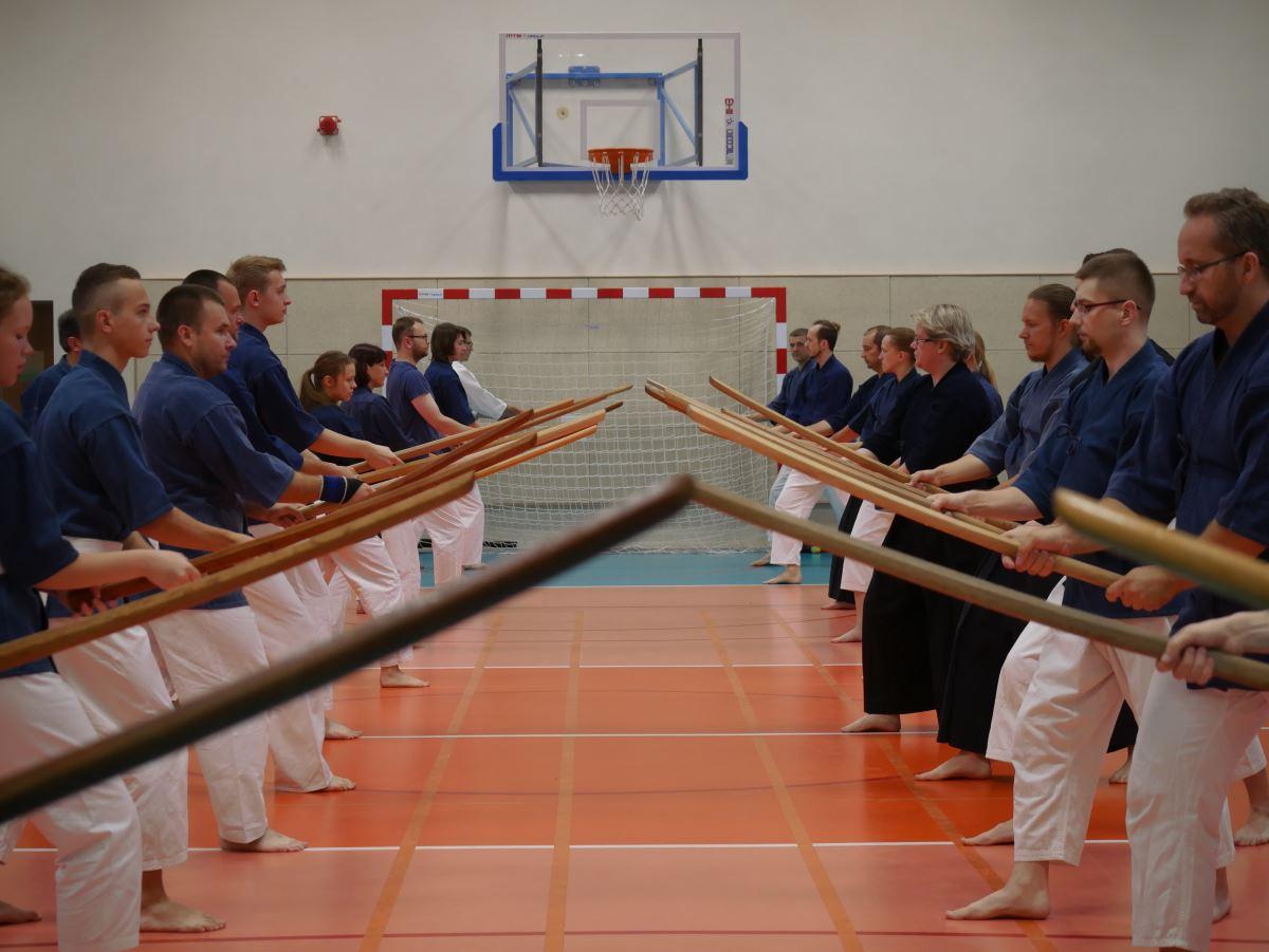 trening szermierki japonskiej O Szkole – TAKE
